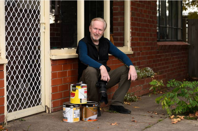 Steve Barnes with paint cans COVID-19 #massisolationAUS
